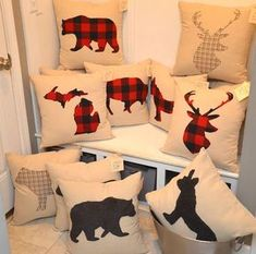 9 Blindsiding Useful Ideas: Decorative Pillows Living Room Rugs decorative pillows kids fun.Decorative Pillows Black Etsy how to make decorative pillows piping tutorial. Living Room Decor Pillows, Diy Pillows, Room Rugs, Rugs In Living Room, Decorative Pillows, Plaid Christmas, Rustic Christmas, Christmas Crafts, Plaid Decor