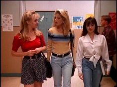 Jennie Garth as Kelly Taylor, Tori Spelling as Donna Martin and Shannen Doherty as Brenda Walsh on Beverly Hills 90210