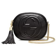 The bag speaks for itself. It's a Gucci Soho Leather Mini Chain Bag. Shoulder Strap Bag, Gucci Shoulder Bag, Shoulder Handbags, Leather Shoulder Bag, Mini Handbags, Gucci Handbags, Leather Handbags, Luxury Handbags, Luxury Bags
