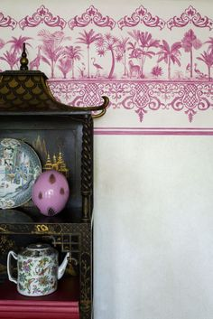 Rousseau #wallpaper border by Cole & Sons in hot pink.