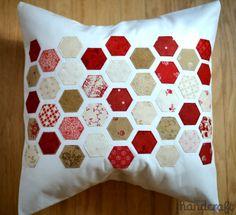 Hexagon pillow. Loving this layout.  Tutorial at http://modernhandcraft.com/2013/11/hexagon-mini-quilt-tutorial