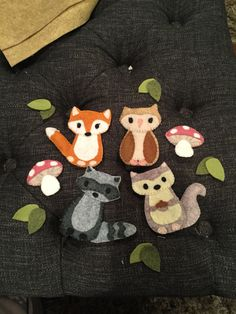 DIY mobile: woodland creatures, felt, toadstool, fox, owl, raccoon, squirrel love all these sweet creatures!