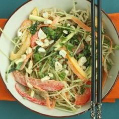 Raw Pad Thai by @OutToLunchC has fresh veggies and kelp noodles which give it a refreshing crunch. The sauce is creamy, delicious and #dairyfree. #GlutenFree #Kelp #PeanutFree #Raw #SugarFree #Recipe #Thai #Vegan #Vegetarian http://www.outtolunchcreations.com/recipes/raw-pad-thai/