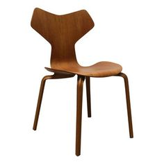 Grand Prix chair 4130  by Arne Jacobsen