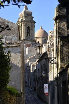 San Vito lo capo - scorcio della chiesa di San Giuliano Erice - di GIOVANNINI ALDO