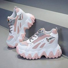 All Nike Shoes, White Nike Shoes, Hype Shoes, Trendy Shoes, Casual Shoes, Fashion Boots, Sneakers Fashion, High Platform Shoes, Korean Shoes