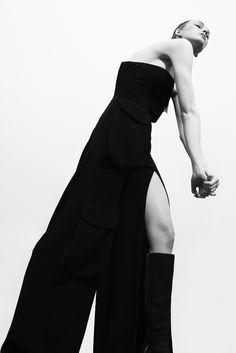 Photographer: Niklas Hoejlund www.niklashoejlund.com fashion photography black and white b/w female