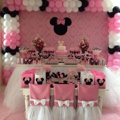 Ver esta foto do Instagram de @xeumel • 28 curtidas Minnie Mouse Birthday Theme, Minnie Mouse Baby Shower, Mickey Party, Minnie Mouse Party, 2nd Birthday Parties, Birthday Party Decorations, Little Girl Birthday, Marie, Creations