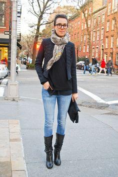 Cozy scarf & fitted jacket!  urban-minimalism-street-style-milan-new-york-paris-