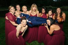 Taylor Swift at Abigail's Wedding Taylor Swift Style, Taylor Alison Swift, Swift 3, Real Friends, Role Models, Queens, Bridesmaid Dresses, Singer, American