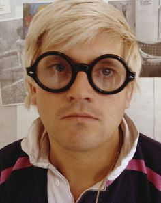 British artist David Hockney—one of GQ's 50 Most Stylish Men of the Past 50 Years—going way big in David Hockney, Best Eyeglasses, Pop Art Movement, Portraits, Create Photo, Artistic Photography, Glam Rock, Famous Artists, Santa Monica