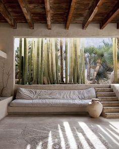 Inside Philip Dixons Venice House - diy decor new Design Exterior, Interior And Exterior, Outdoor Spaces, Outdoor Living, Indoor Outdoor, Venice Beach House, Dixon Homes, Living Room Designs, Living Spaces