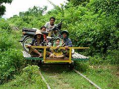 Transports insolites dans le monde Bamboo Train Cambodge