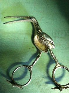 Antique stork umbilical cord clamp for midwives, sterling silver.....pas à sa place, mais trop belle....alors pin