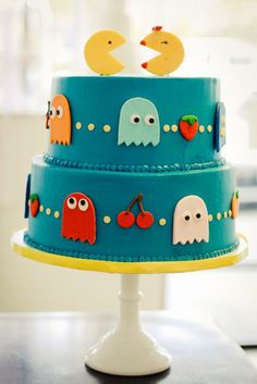 Pac-Man Wedding Cakes from Sweet an Saucy Shop
