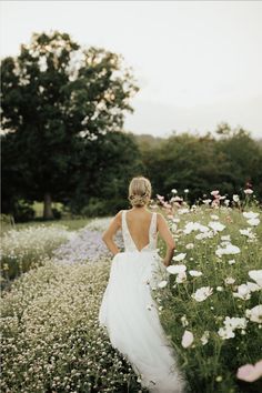 perfect wedding are readily available on our site. look at this and you will not be sorry you did. Wedding Poses, Wedding Tips, Wedding Ceremony, Destination Wedding, Wedding Shot, Wedding Dj, Wedding Details, Wedding Venues, Perfect Wedding