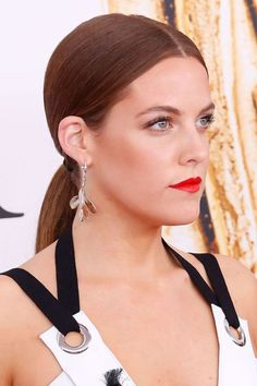 The Best Beauty Looks from the CFDA Awards: Riley Keough's tight pony.