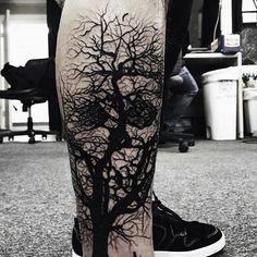 Tree Tattoo What is your opinion about Tree Tattoo ? Leg Tattoos, Arm Band Tattoo, Black Tattoos, Body Art Tattoos, Tattoos For Guys, Cool Tattoos, Tatoos, Skull Tattoo Design, Tattoo Designs