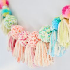 Garland yarn tassels pompoms
