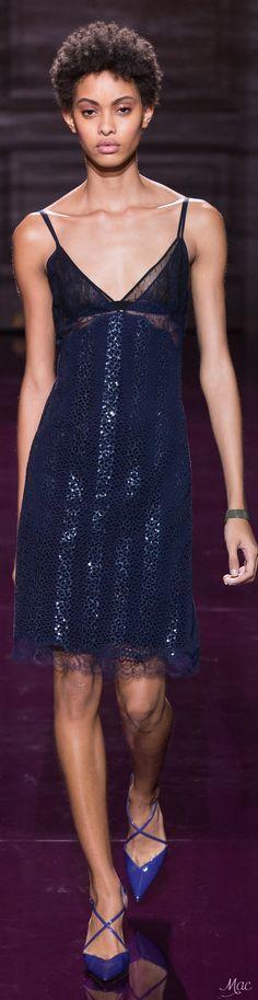 Spring 2017 Ready-to-Wear Nina Ricci