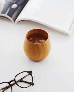 Nothing better than a cup of tea and a good read. How To Make Drinks, Minimal Design, Japanese Style, Tea Cups, Leather, Minimalist Design, Japan Style, Japanese Taste, Japan Fashion