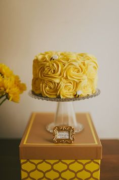 Honeycomb themed baby shower | The Frosted Petticoat