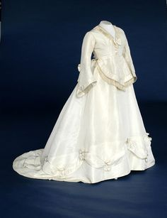 wedding dress  1860  the bowes museum