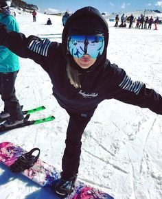 Yoga between runz Rider @gracemarie_xx showing us how its done in the Womens Script Tech Snowboard Hoodie. #realtechhoodies ❄ Available via our online store Worldwide shipping just $15 USD! #ridedry @gracemarie_xx