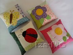 Cute little applique pin cushions Cute Cushions, Cute Pillows, Decorative Cushions, Diy Pillows, Throw Pillows, Patchwork Pillow, Quilted Pillow, Felt Crafts, Diy And Crafts