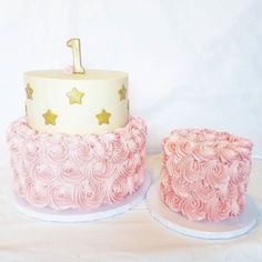 Twinkle Twinkle Little Star themed birthday cake with a precious little smash cake #mysugarrush #pin