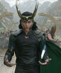 Loki in Thor Ragnarok, he looks so AMAZING!!!