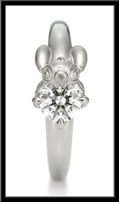 Disney wedding! Eeeeeekkkk it's Stitch on a wedding ring!!!!!! omg i need to now…