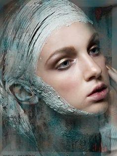 Model: Alyona Mitryayeva