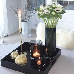 home accessories living room - homeaccessories Home Decor Accessories, Decorative Accessories, Home Living Room, Living Room Decor, Passion Deco, Vase, Decorating Coffee Tables, Tray Decor, Skyline