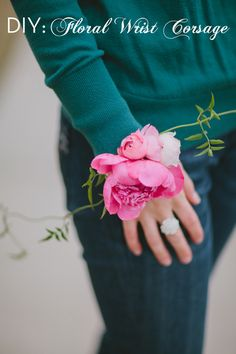 Step by step instructions and images for creating an easy, yet lovely, wrist corsage on-site.