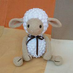 Crochet Blanket Patterns, Crochet Stitches, Crochet Sheep, Happy Teachers Day, Crochet Baby Clothes, Teething Toys, Baby Rattle, Baby Love, Hello Kitty