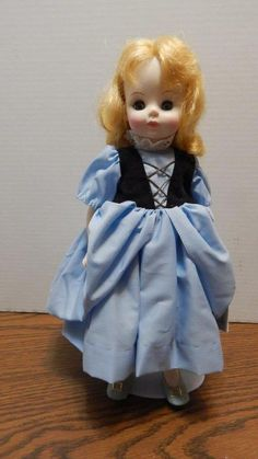 VTG 1980s Madame Alexander Goldilocks Doll w/Stand