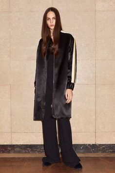 Victoria Victoria Beckham Autumn/Winter 2017 Pre-Fall Collection | British Vogue