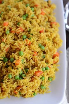 Healthy, cheap, and delicious, this pressure cooker Indian Vegetable Rice is a perfect side OR main dish and is super simple thanks to the Instant Pot! Sub chicken broth for vegetable broth Indian Food Recipes, Whole Food Recipes, Vegetarian Recipes, Cooking Recipes, Healthy Recipes, Ethnic Recipes, Healthy Indian Foods, Cooking Ribs, Cheap Recipes