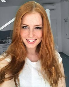 If you like redheads, get in here now. Photo gallery of 31 hot redheads. I have always been a sucker for redheads. Beautiful Freckles, Beautiful Red Hair, Beautiful Women, I Love Redheads, Hottest Redheads, Red Heads Women, Red Hair Woman, Freckles Girl, Girls With Red Hair