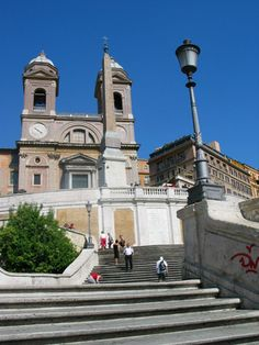 Guided Tours: Creating Little World Travelers Travel Abroad, Us Travel, Mothers Bag, Visit Italy, 21 Years Old, How To Start Running, Stand Tall, World Traveler, Tour Guide