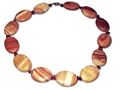 A beautiful oval Jasper necklace with a length of 52 cm (20.5 inches)