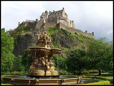 Ross Fountain and Edinburgh Castle