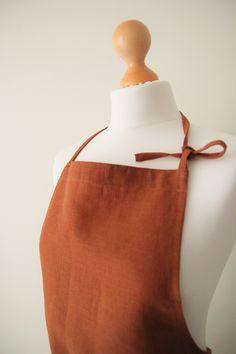 Designed by Blossom Linen. #linenapron #apron #linen #uniform #cafeapron #cafe #florist #floristapron #bakery #home #kitchen #dining #living #handmade #sewing #uniforms