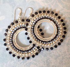 Perlen Ohrringe schwarz Kristall GODDESS Seed Bead Creolen Source by hernndezcote 14k White Gold Earrings, Gold Bar Earrings, Seed Bead Earrings, Beaded Earrings, Beaded Jewelry, Handmade Jewelry, Seed Beads, Crystal Beads, Glass Beads