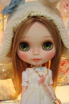 Sunny Bunny, a custom Blythe doll