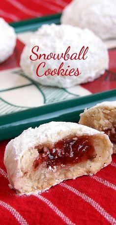 Zum Rezept für mit Marmelade gefüllte Schneeball-Cookies.