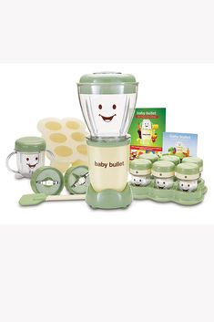 Baby Magic Bullet, make your own healthier and organic baby food. Babies R Us, Gifts For New Dads, Gifts For Girls, How To Make Homemade, Homemade Baby, Best Baby Shower Gifts, Baby Gifts, Creative Toys For Kids, Baby Cubes