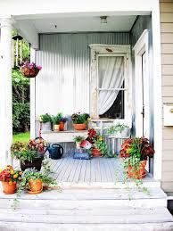 Image result for shabby chic interior design Jardin Style Shabby Chic, Shabby Chic Veranda, Casas Shabby Chic, Shabby Chic Porch, Shabby Chic Kitchen, Shabby Chic Homes, Shabby Chic Decor Living Room, Shabby Chic Interiors, Rustic Shabby Chic