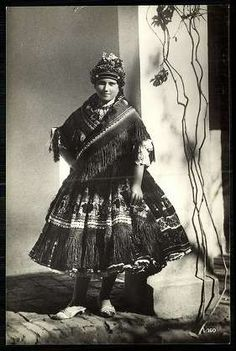 Sárközi leány | Képeslapok | Hungaricana Folk Costume, Costumes, Hungarian Embroidery, Central Europe, My Heritage, Hungary, Embroidery Patterns, Goth, Stamp